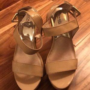 Michael KORS beige heeled sandals, size 10